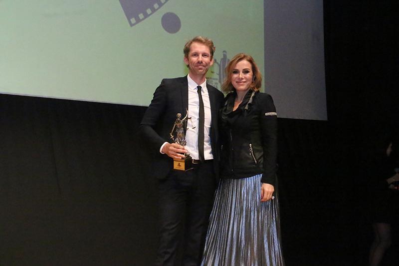 """Altın Terazi En İyi Fil Ödülünü """"Batmadan"""" Filmi Aldı"""